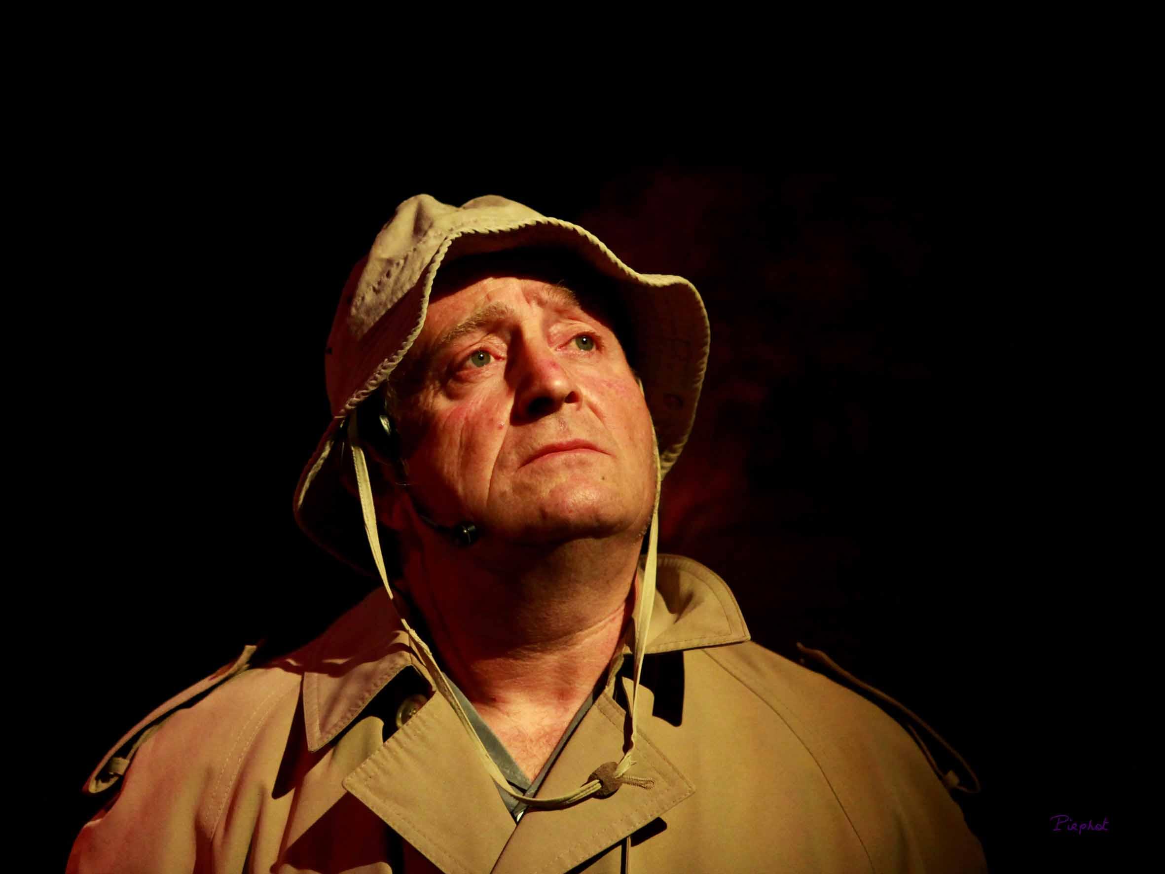 Philippe Blaszkiewicz dans Poussières d'est, spectacle de la Mascara en 2015